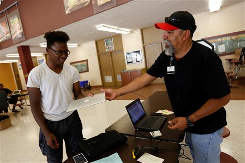 EPISD Students Get an Apple Upgrade