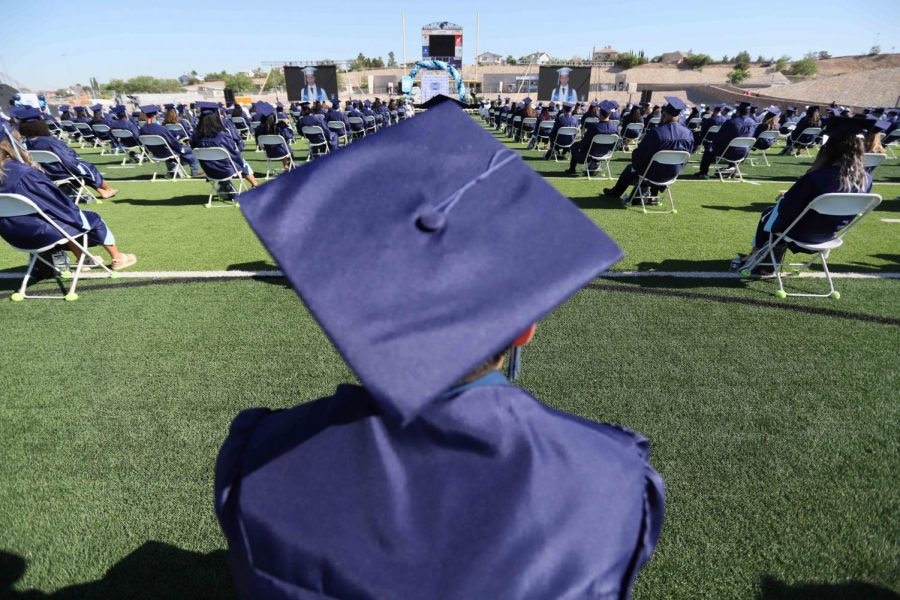 Seniors celebrate graduation at Franklin High School